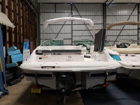 Regal 2000ES Bowrider image