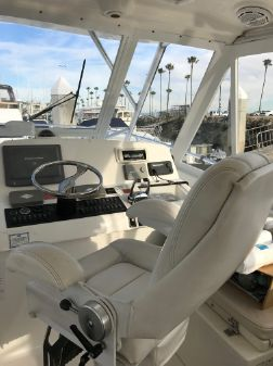 Luhrs 41 Open image