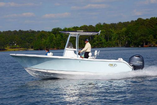 Sea Hunt Triton 225 image