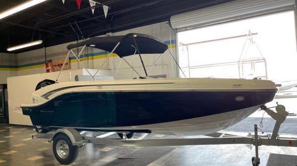 Bayliner DX 2000