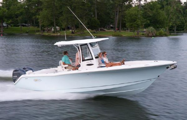 2021 Sea Hunt Gamefish 27 with Coffin Box