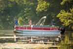 Sun Tracker Fishin' Barge 24 DLXimage