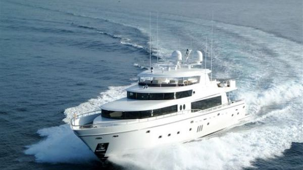 Johnson 110 Motoryacht Photo 1