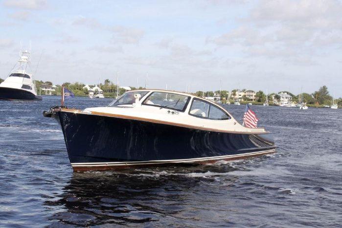 2009 Hinckley Talaria 38R Convertible
