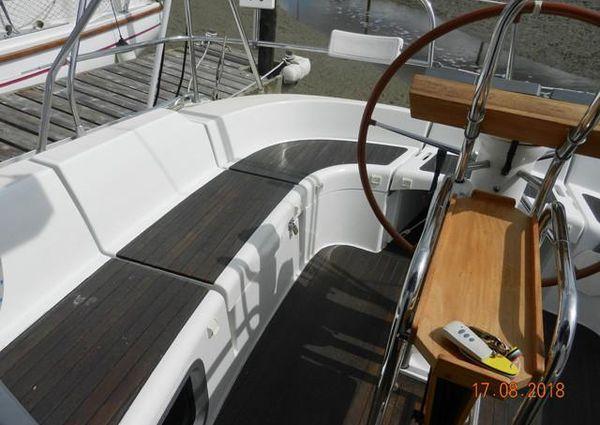 Jeanneau Sun Odyssey 35 Lifting Keel image