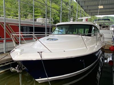 2019 Tiara Yachts<span>39 Coupe</span>