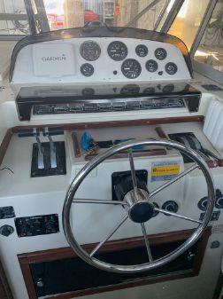Boston Whaler 27 FC image