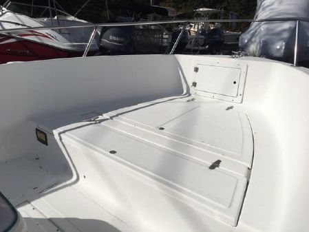 Angler 180 Center Console image