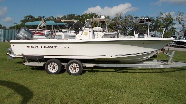 Sea Hunt 22 BX