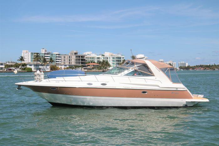 2002 Cruisers Yachts