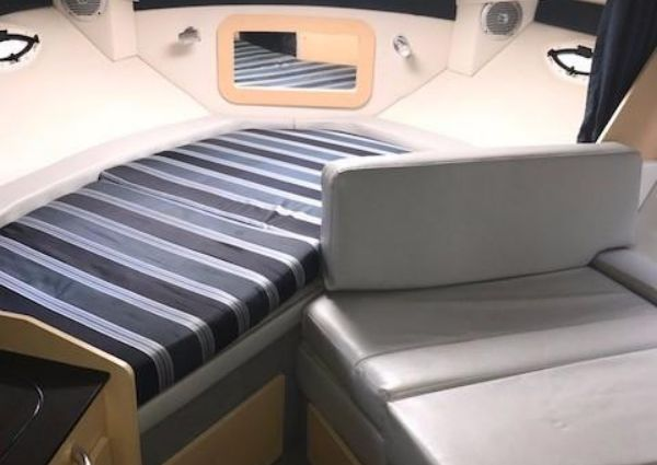 Bayliner 285 With Air and Gen image
