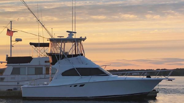 Luhrs 350 Convertible