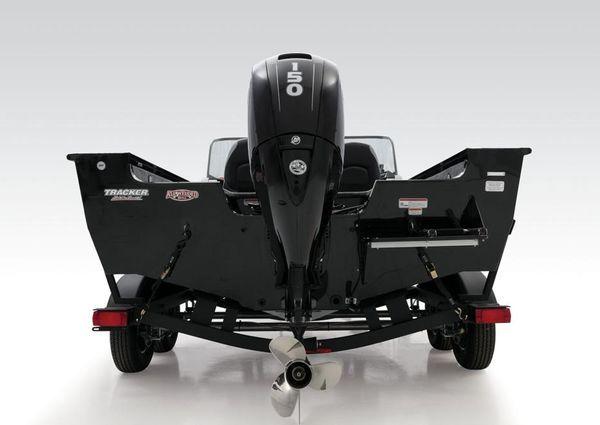 Tracker Targa V-19 WT image