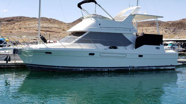Bayliner Motor Yacht