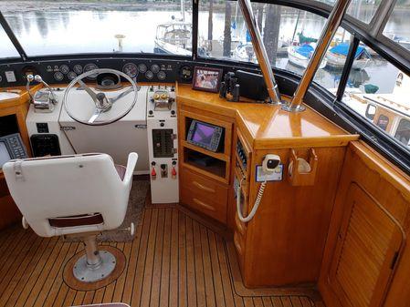 Gulfstar Tri Cabin image