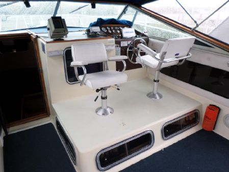 Chris-Craft 336 Commander image