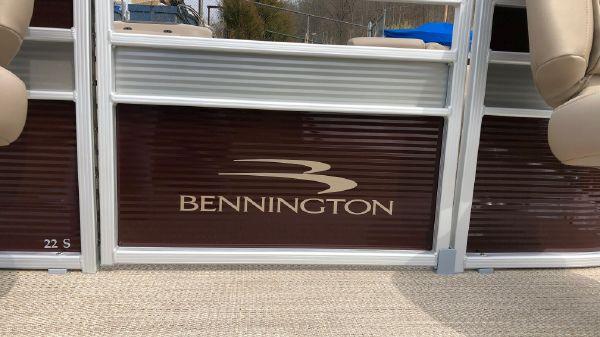 Bennington 22SLBF