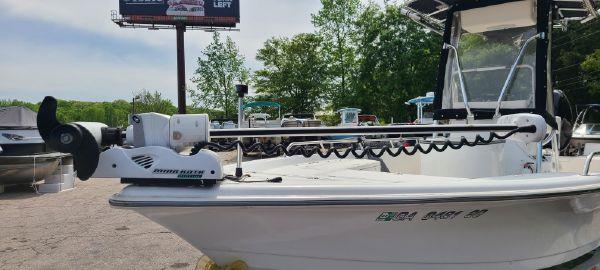 Sea Pro SV2400CC Bay Boat image