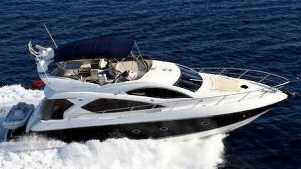 Sunseeker Manhattan 60 Running Shot of Sistership
