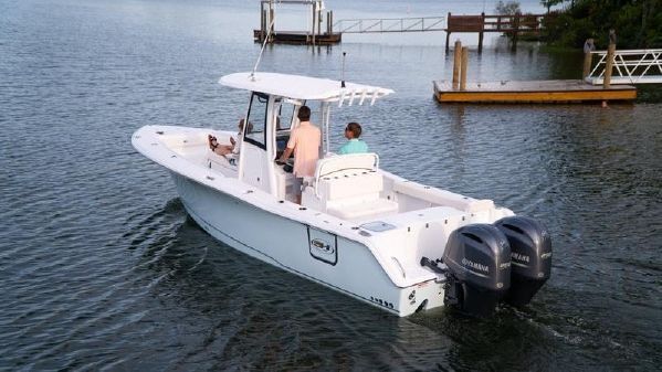 Sea Hunt Gamefish 27 with Coffin Box image