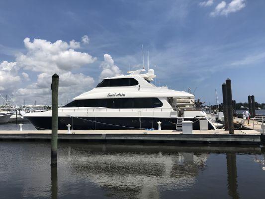 Lazzara Yachts Skylounge - main image