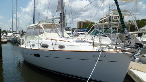 Beneteau Center Cockpit 1998 Beneteau 36 CC
