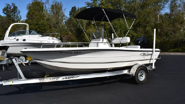 Sea Boss 180 Center Console