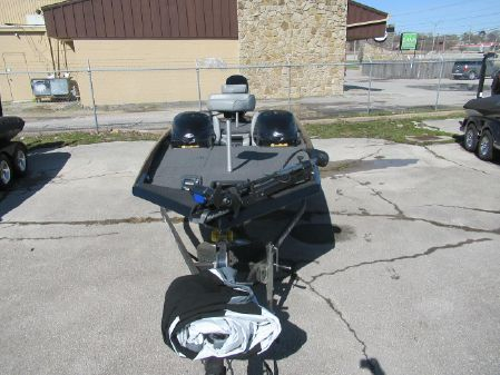 Triton 18 TX image