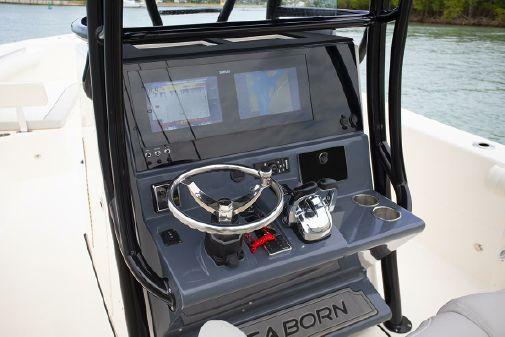Sea Born LX26 Center Console image