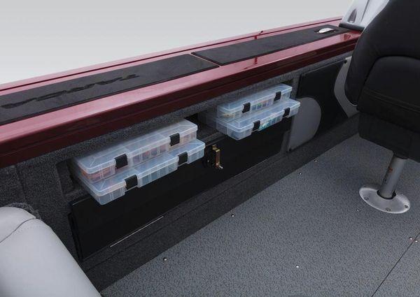 Tracker Targa V-19 Combo 40th Anniversary Edition LE image