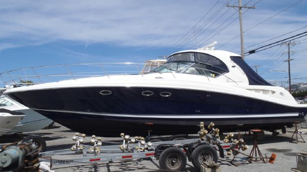 Sea Ray 420 Sundancer Port View