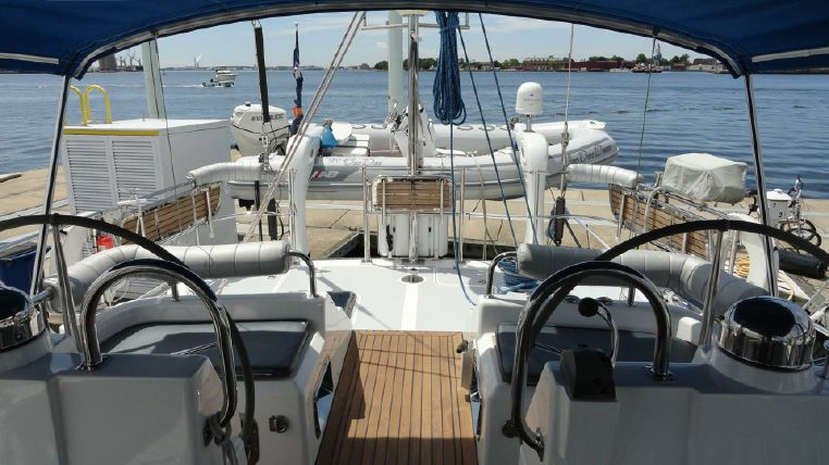 2010 Hylas BoatsalesListing Brokerage