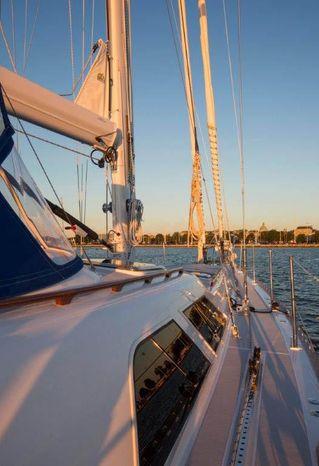 2010 Hylas BoatsalesListing Purchase