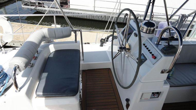 2010 Hylas BoatsalesListing New England