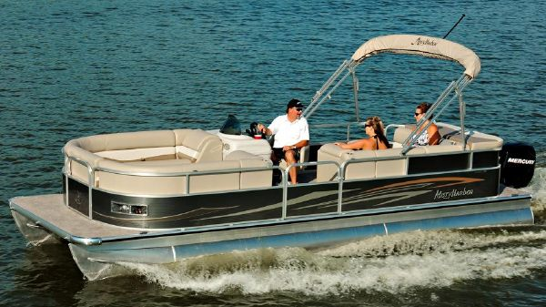 Misty Harbor 2585CS Biscayne Bay Manufacturer Provided Image