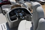 Avalon 25' Catalina Entertainerimage