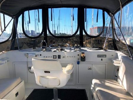 Hatteras 38 Double Cabin image