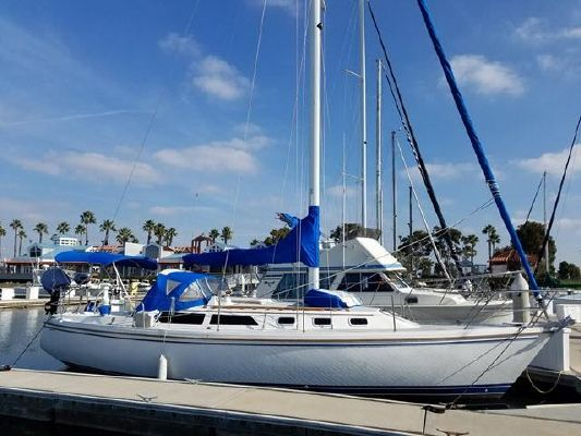 Catalina 34 Tall Rig - main image