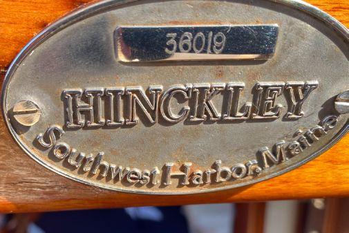 Hinckley Picnic Boat Classic image