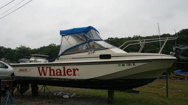 Boston Whaler Revenge Cuddy