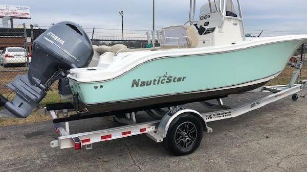 NauticStar 2102XS Legacy