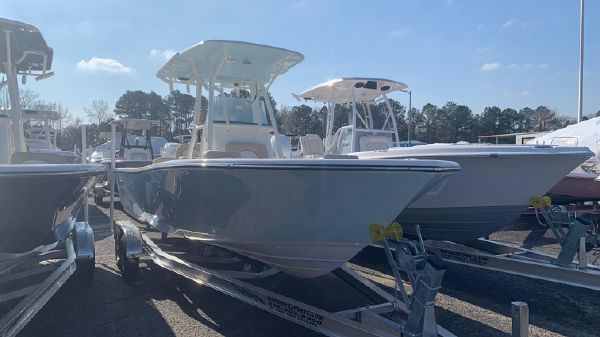 Sea Born LX24 Center Console