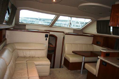 Cruisers Yachts 405 motoryacht image