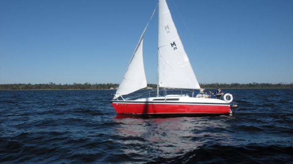 MacGregor 26-S Under Sail