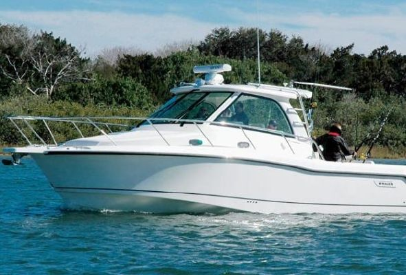 Boston Whaler 345 Conquest - main image