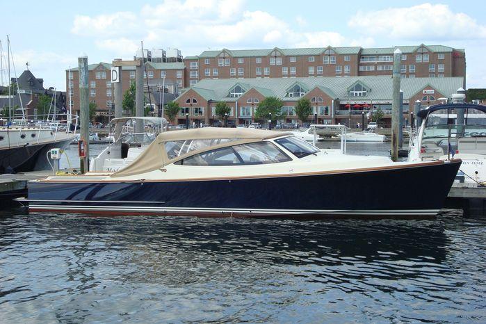 2008 Hinckley Talaria 38R Convertible