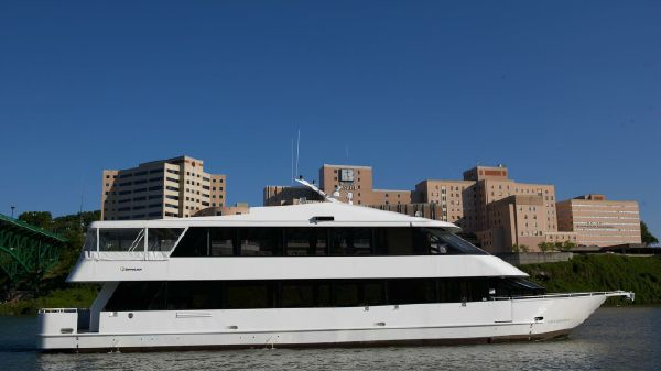 Skipperliner 96' Custom Riverboat Yacht