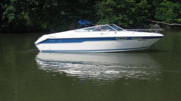 Sea Ray 220 Cuddy