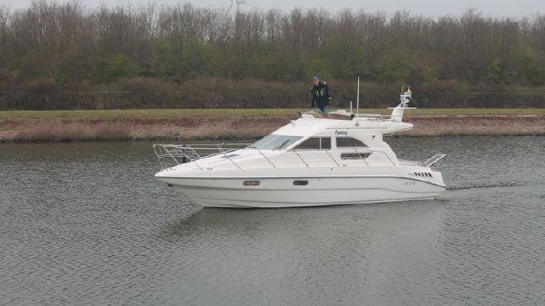 Sealine 330