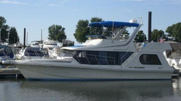 Bluewater 43 Coastal Cockpit Cruiser